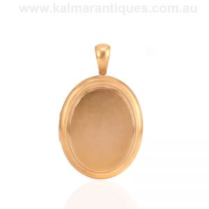 Victorian era antique oval locket made in 15 carat gold