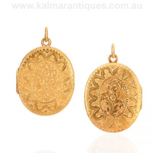 18 carat yellow gold hand engraved antique photo locket