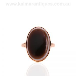 Antique agate ring made in 15 carat gold in the early 1900's