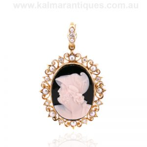 Antique hardstone cameo diamond and pearl brooch/pendant