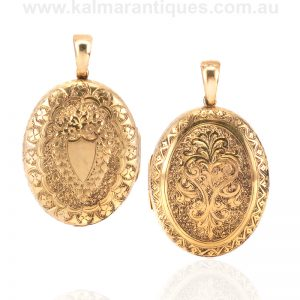 Antique 18ct yellow gold hand engraved photo locket