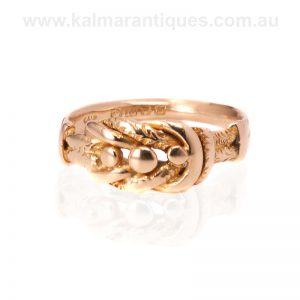Antique ring made in 18 carat gold in London in 1919