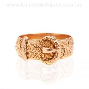 Antique hand engraved buckle ring made in 18 carat gold in 1908