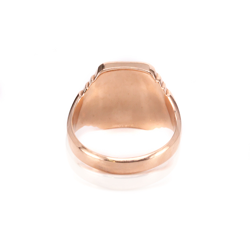 Art Deco rose gold signet ring dating from the 1920s