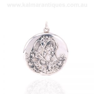 Art Nouveau sterling silver photo locket made in the early 1900's