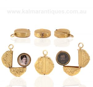 Antique yellow gold double sided REGARD photo locket