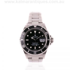 Rolex Submariner 16610 T with the new laser engraved rehaut
