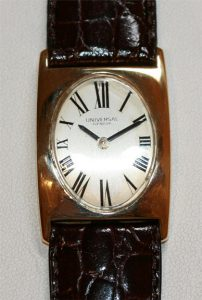 18ct Universal watch