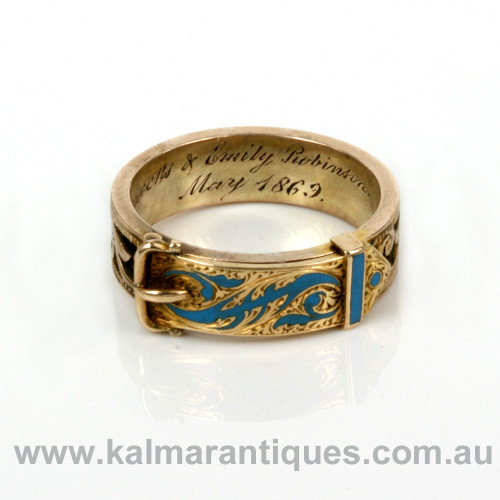 Antique enamel ring with hinged top.