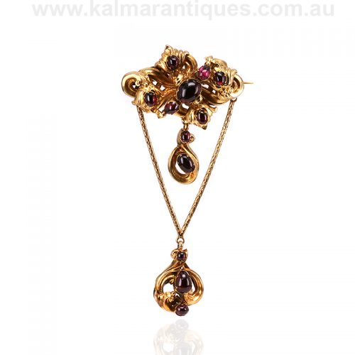 Magnificent antique cabochon garnet brooch in 20 carat gold