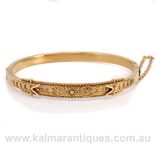 15ct gold antique hinged bangle made in 1895