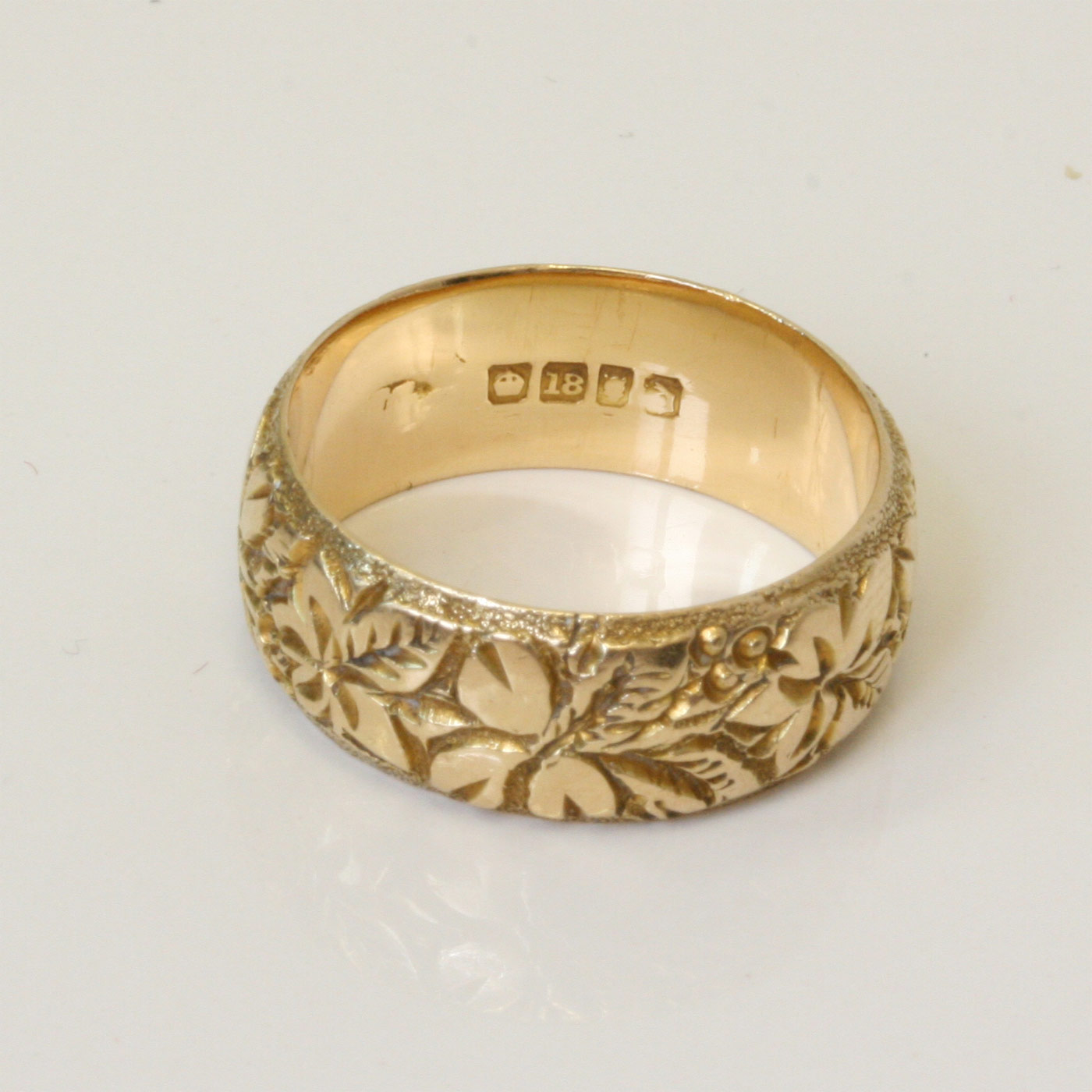buy 18ct gold engraved ring sold items sold rings sydney