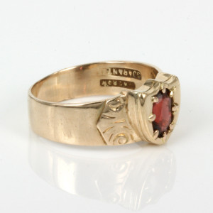 15ct gold antique garnet signet ring by Macrow.