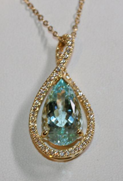 18ct Aquamarine and diamond pendant