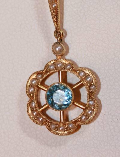 Antique aquamarine pendant