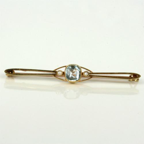 Antique brooch with aquamarine & pearls.