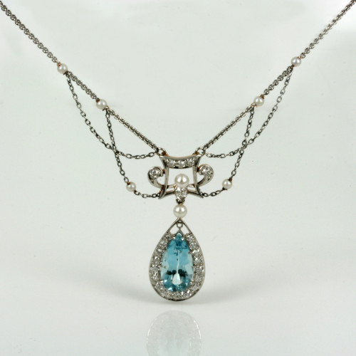 Magnificent aquamarine and diamond necklace