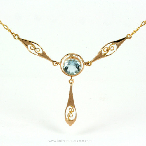 Antique 18ct aquamarine necklace