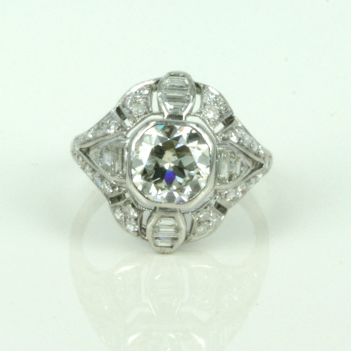 Art Deco ring with 2.78 cts of diamonds