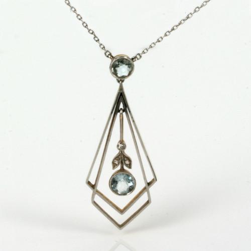 18ct & platinum Art Deco aquamarine pendant