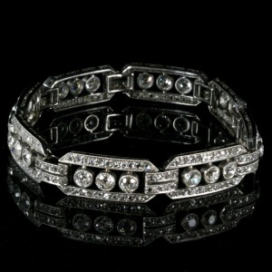 Platinum Art Deco bracelet with 104 diamonds