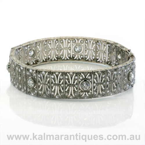 Art Deco diamond bracelet made in platinum