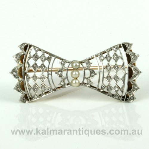 Art Deco diamond and pearl brooch