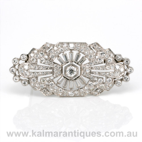 Platinum Art Deco diamond brooch from the 1920's.