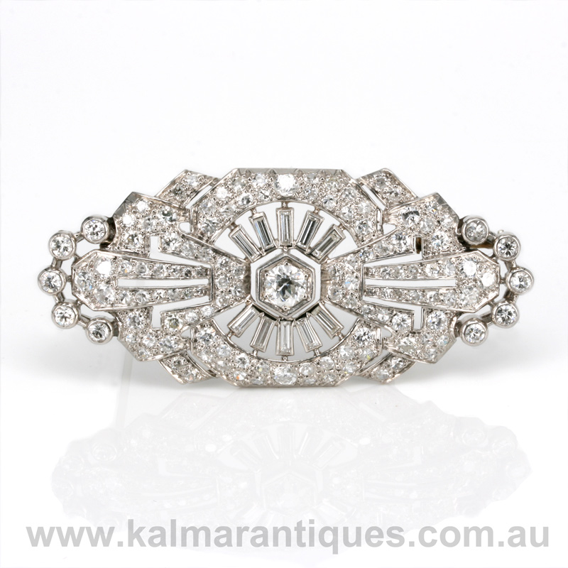 Platinum art deco diamond brooch from the 1920s
