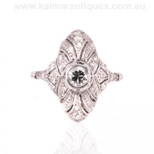 Art Deco diamond ring handmade in platinum from the 1920's
