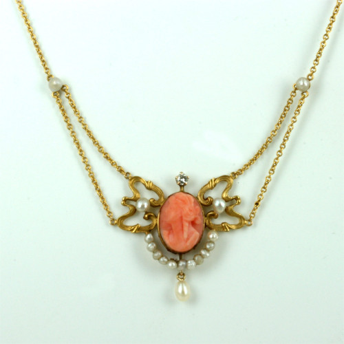 Art Nouveau cameo & pearl pendant.