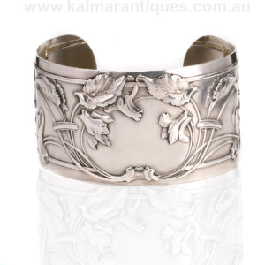 Art Nouveau French cuff bangle from the 1890's
