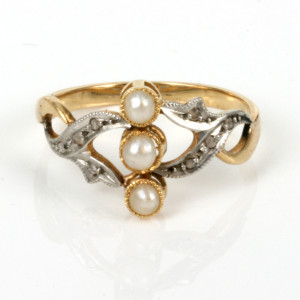 Pearl & diamond Art Nouveau era ring
