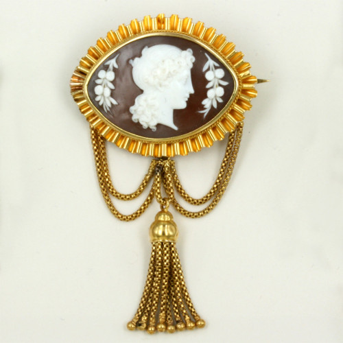 Antique cameo brooch & earrings