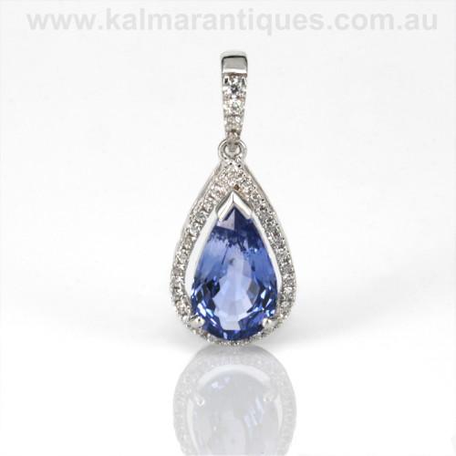 Ceylonese sapphire and diamond pendant