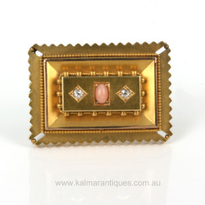 Antique 15ct gold brooch.