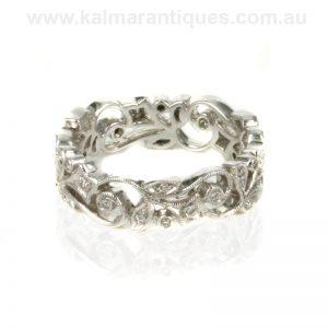 Eternity ring with 30 diamonds