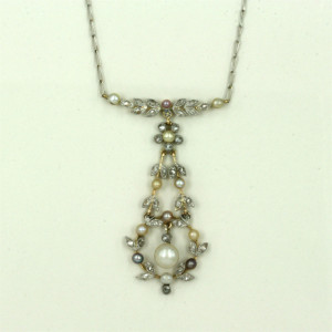 18ct & platinum Edwardian pearl & diamond pendant.