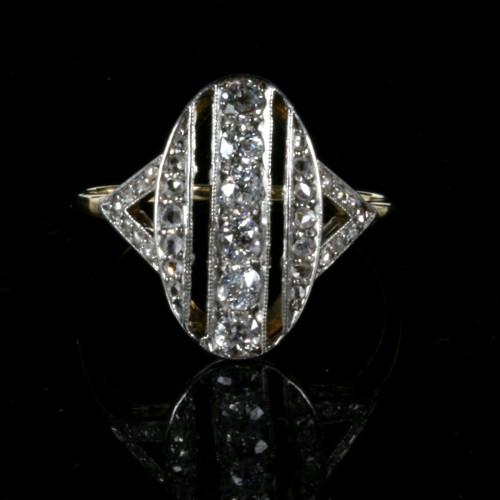 Attractive antique diamond ring