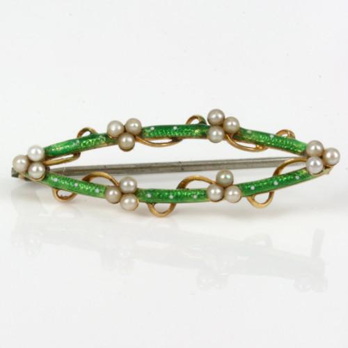 Elegant green enamel brooch set with pearls