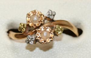 Art Nouveau ring in 3 colour gold