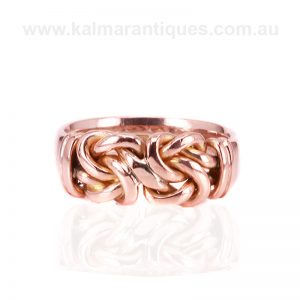 Antique knot ring made in rose gold in the Edwardian era in 1901