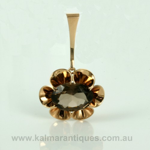 Smoky quartz pendant in rose gold