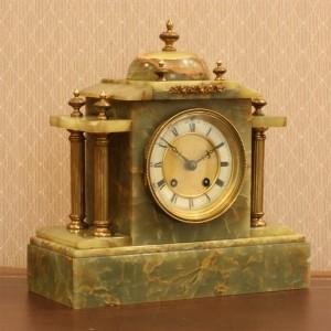 Green marble clock.