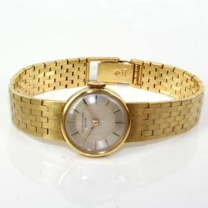 Ladies 1945 18ct gold Patek Philippe watch