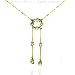 Antique peridot and pearl necklace in gold