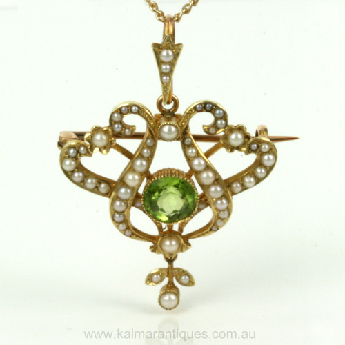 Antique peridot & pearl brooch/pendant in its original box