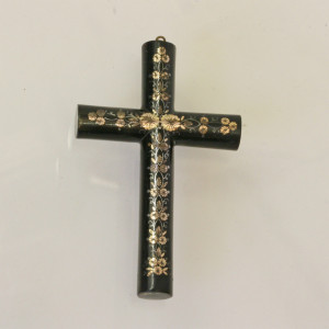 Wonderful Victorian Pique cross