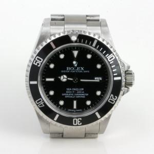 Rolex Sea Dweller model 16600.