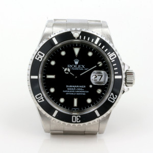 Gents Rolex Submariner from 2000 model 16610.